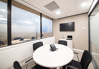 Venues? Enquire on +360K hotel meeting rooms, capacity