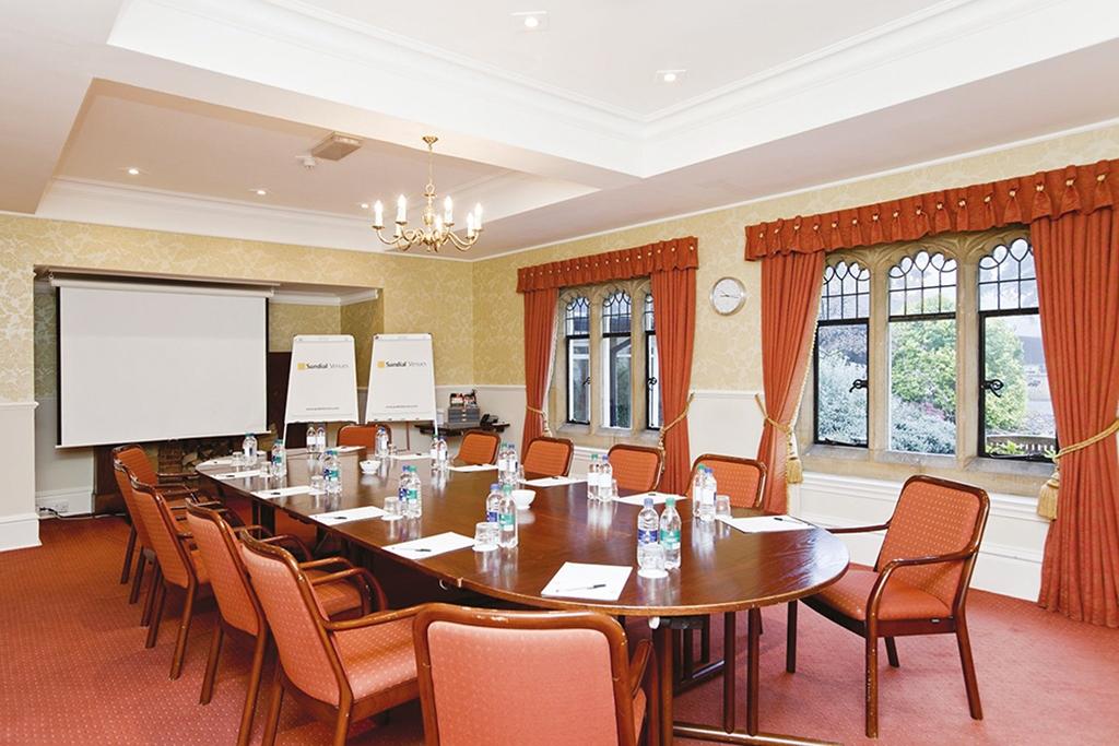 Pine meeting room